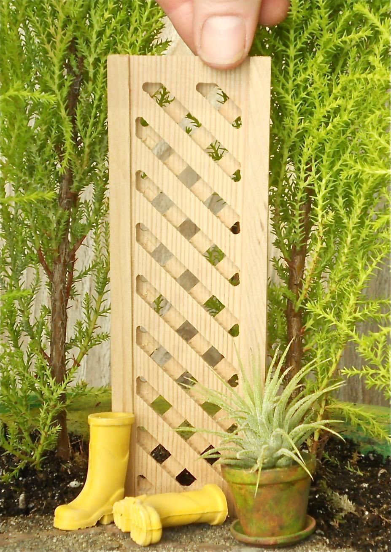 Miniature Cedar Treillis