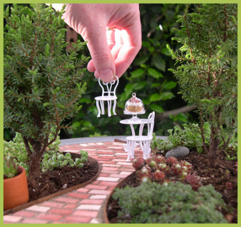 Two Green Thumbs Avatar