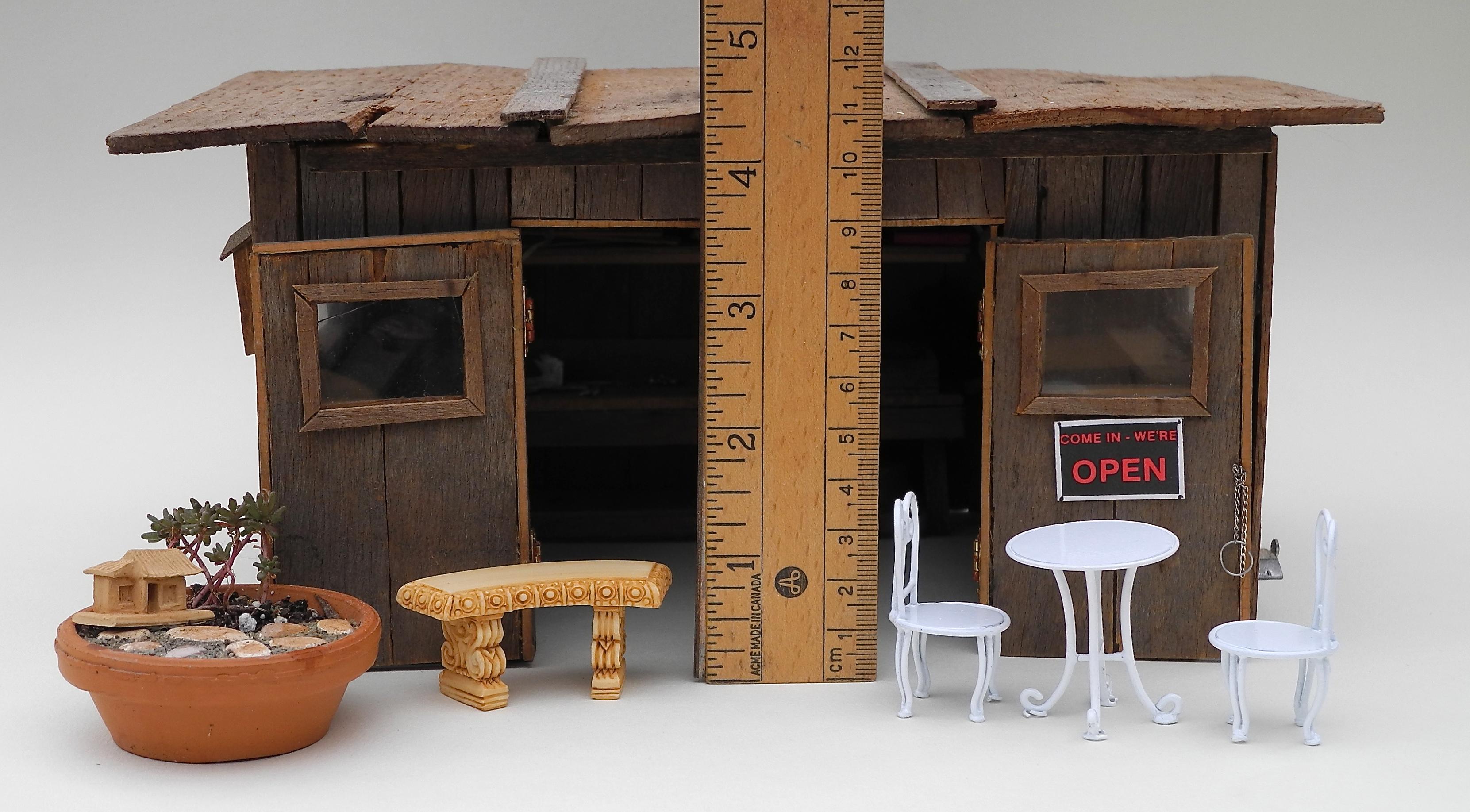 Half-inch scale miniature garden accessories